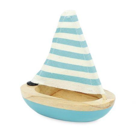Petit voilier bleu