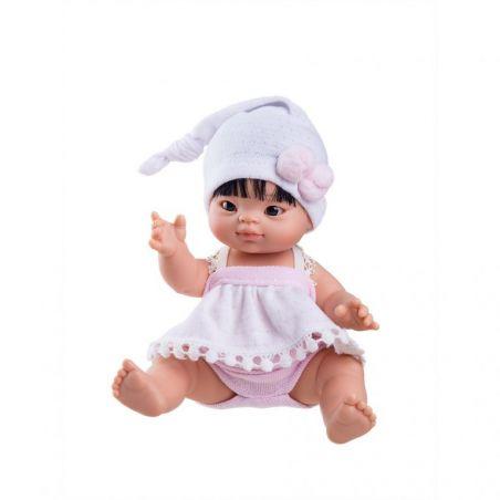 Petite poupée asiatique fille